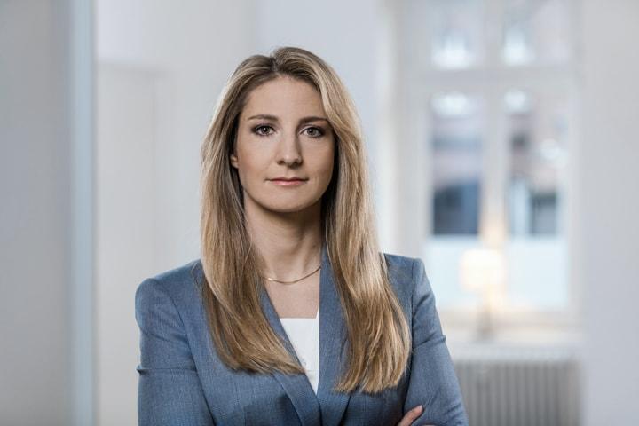 Leonie Linke ist Rechtsanwältin und zertifizierte Beraterin für Steuerstrafrecht der Kanzlei Adick Linke aus Bonn